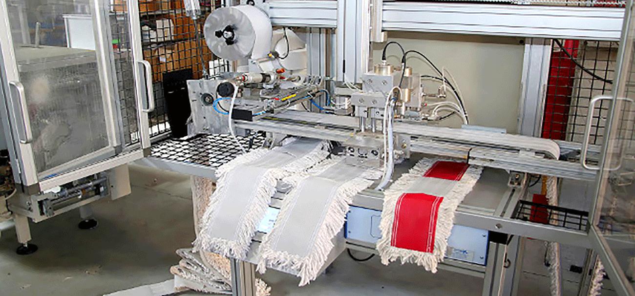 Macchina per la produzione di attrezzature professionali per la pulizia degli ambienti